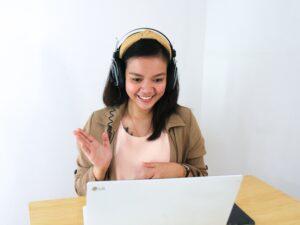 Keeleõpe keeltekoolis interneti vahendusel. Tallinna Rahvaülikoolis programmist leiad endale sobivad e-kursused
