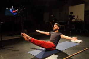 Pilates on liikumise alustreening, kus tegeletakse tervikliku keha tööga. E-kursus juhendab Indrek Kornel.